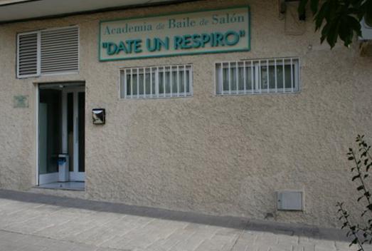 ACADEMIA DE BAILES DE SALON DATE UN RESPIRO
